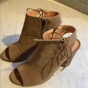 Xoxo tan suede ankle booties
